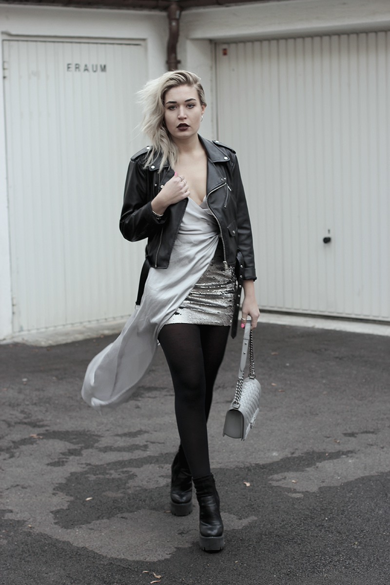 New Years Eve-Silvester-Outfit-ootd-Style-Look-Streetstyle-Pailletten-Glitter-Style-Look-Inspiration-Fashion-Mode-Fashionblog-Modeblog-Blogger-Munich-Muenchen-Lauralamode-Deutschland