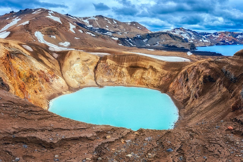 7 active volcanoes you can tour in Iceland