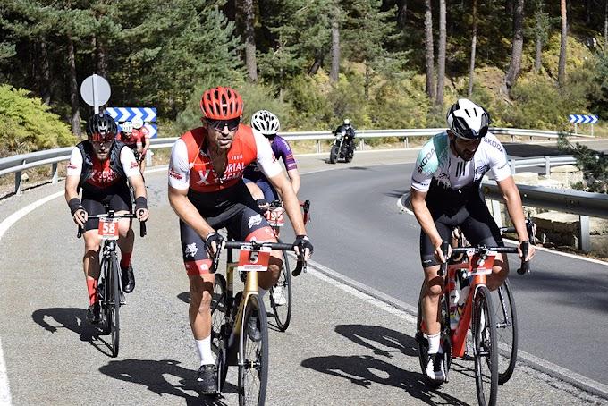 Los cicloturistas disfrutan del homenaje a Cubino en la III Xcorial Xtreme