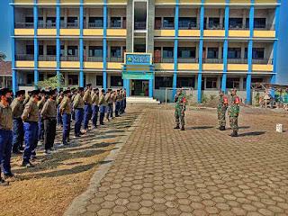 Tiga Anggota Koramil Tanamkan Kedisiplinan Dan Wawasan Kebangsaan Bagi Santri Ponpes Modern Asy Syifa Muhammadiyah Blimbingrejo
