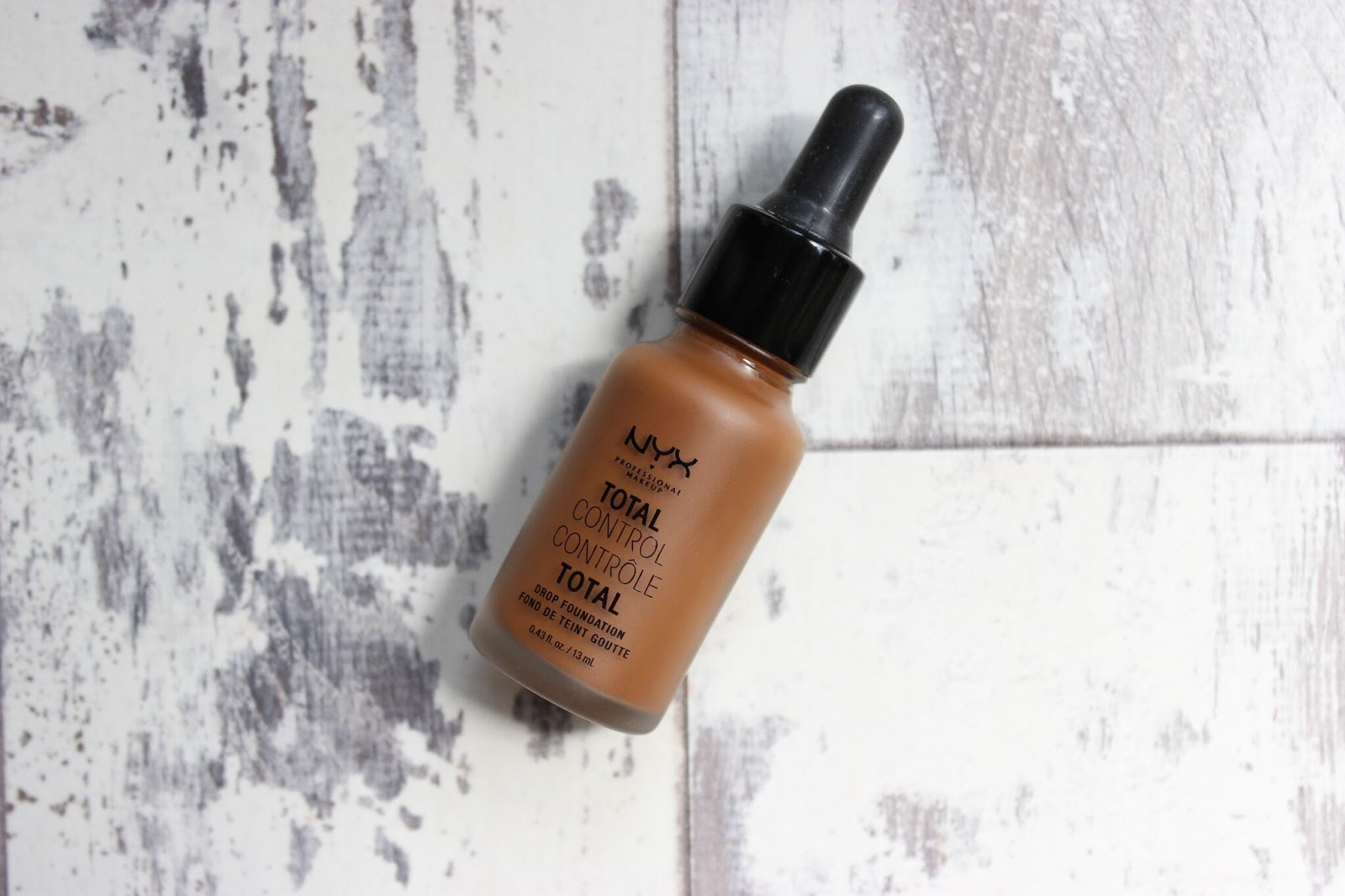 TOTAL CONTROL DROP FOUNDATION (MOCHA)