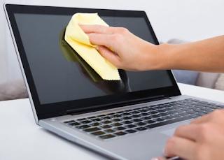 Tutorial Membersihkan Layar Laptop ataupun Casing Laptop Dengan cara Darurat