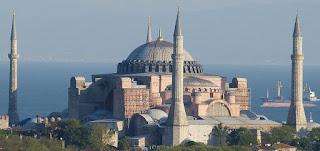 رؤساء الكنائس في إنجلترا يأسفون للقرار التركي بتغيير الوضع القائم لآيا صوفيا
