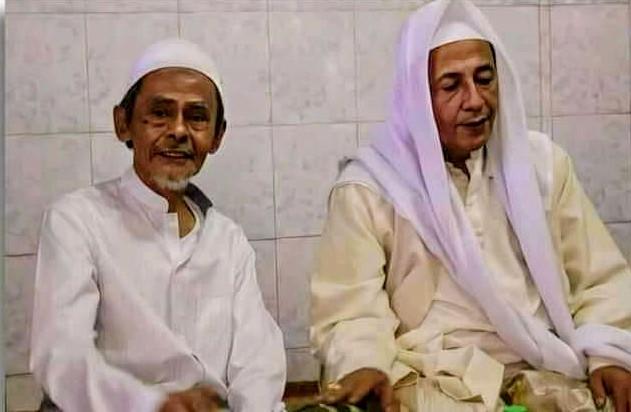 KH. Nawawi bin Abdul Jalil Bersama Habib Luthfi Bin Yahya