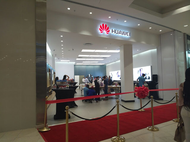 Huawei Experience Store - Mall of Africa, Johannesburg