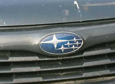 Subaru-Logo mit den stilisierten Plejaden