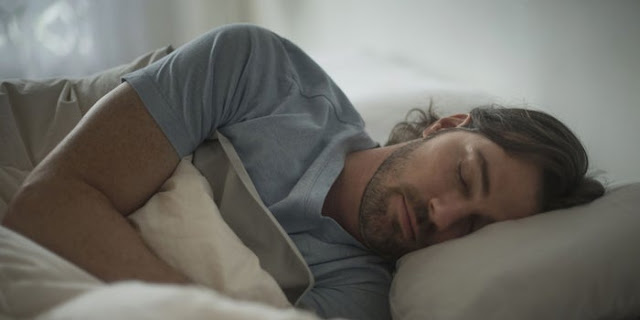 10 Secrets to Making Money While You Sleep