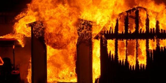 सिरफिरा आशिक: गांव में आग लगाकर बोले, शादी नहीं हुई तो लाशें बिछा दूंगा | RAJGARH MP NEWS