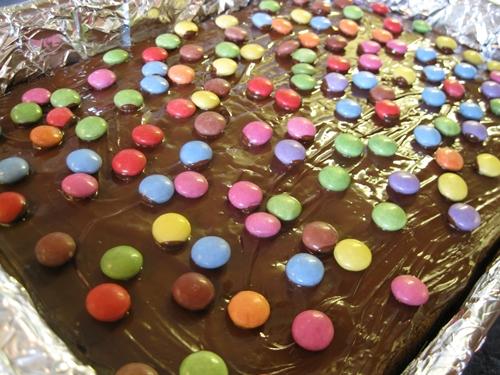 Schoko Smarties Kuchen Wawu Kulinarische Qualereien