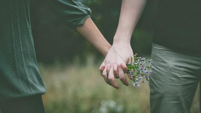 Reseña: El peso específico del amor