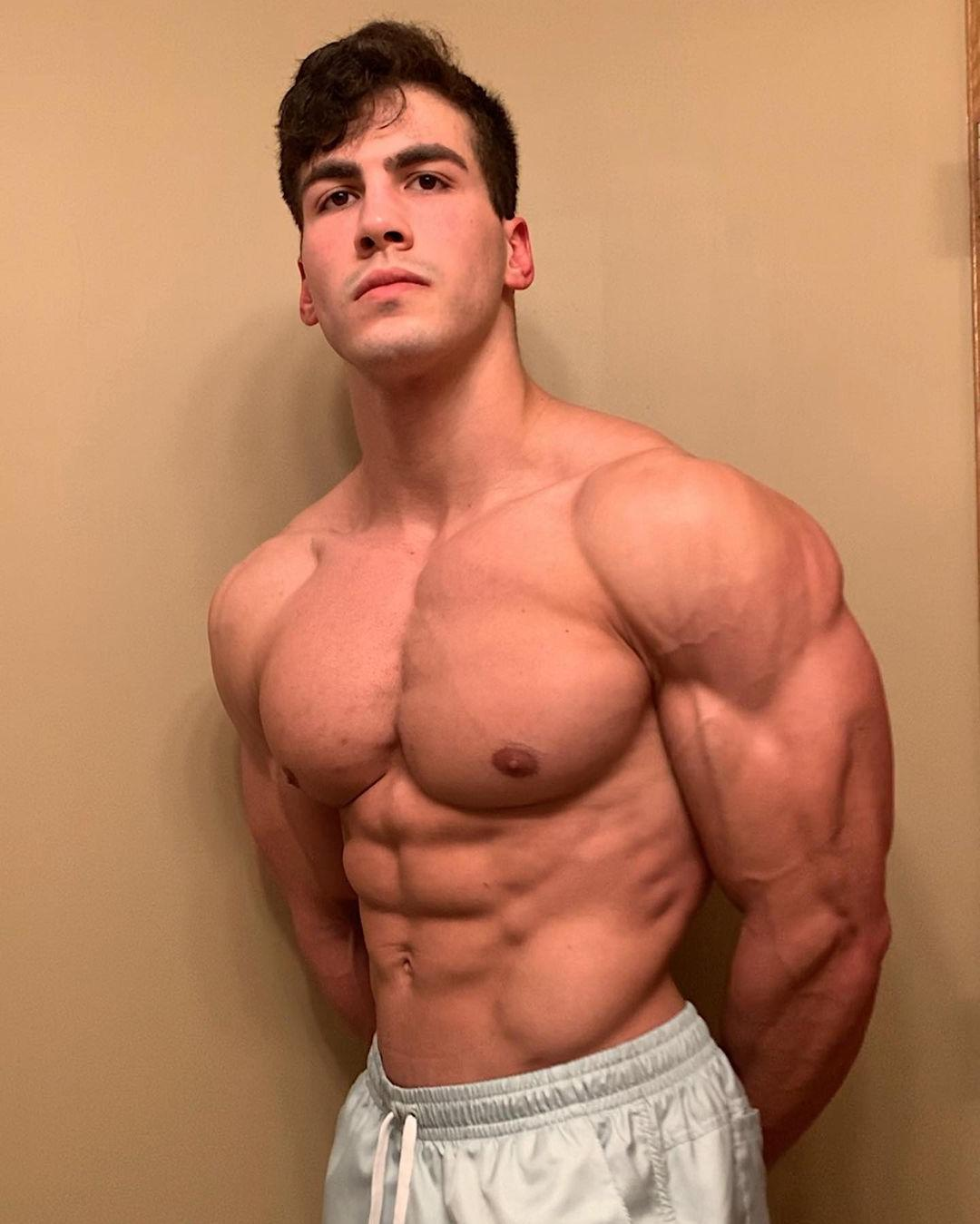 beautiful-fit-shirtless-guys-logan-foote-sexy-muscular-male-body-young-college-hunk