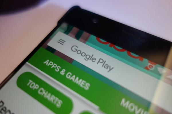 جوجل تحذف أكثر من 600 تطبيق من بلاي ستور