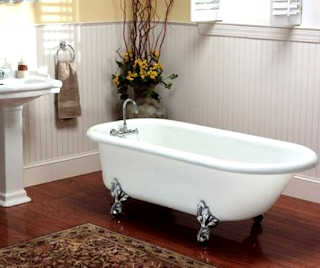 vintage-bathtubs-and-sinks