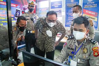 Sambangi Polres Muba, Dodi Reza Silaturahmi dan Perpanjang SIM