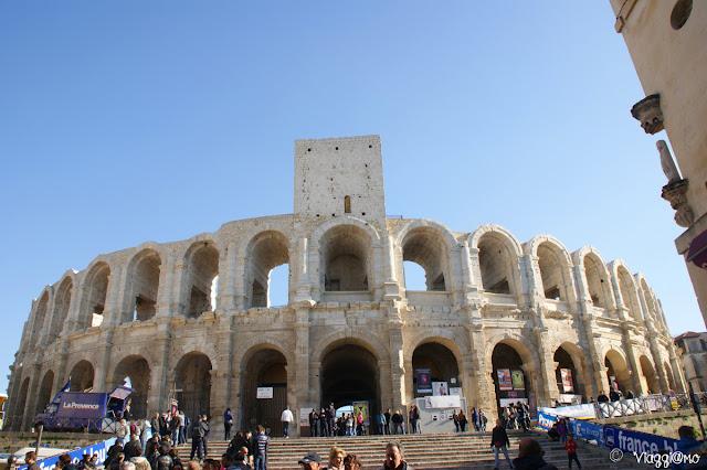 L'anfiteatro di Arles in festa