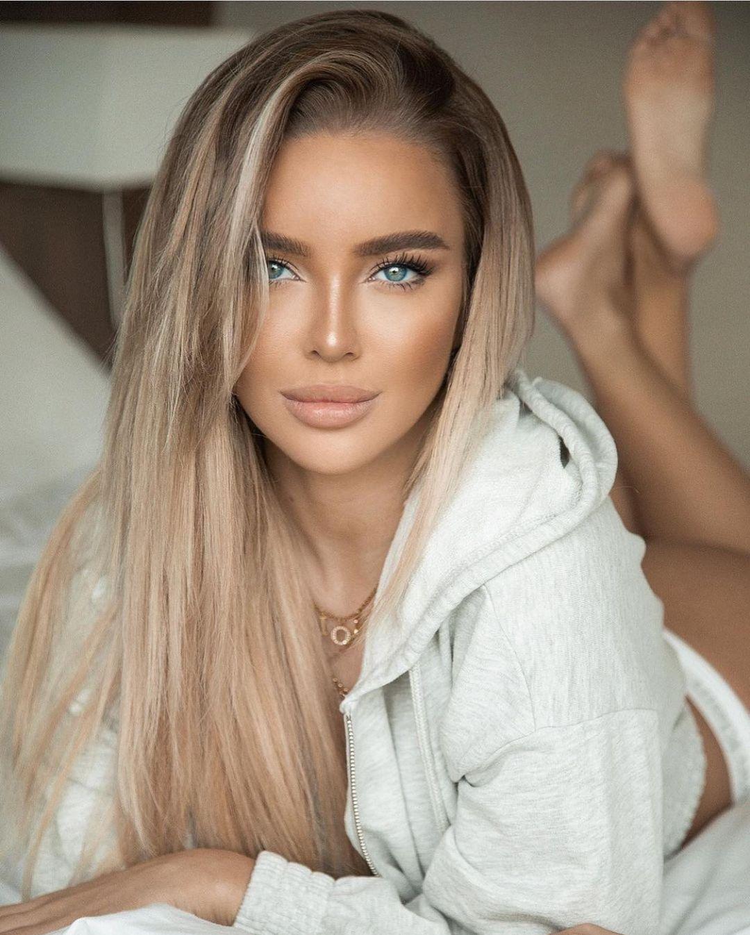 Russian Stylish Girl DP