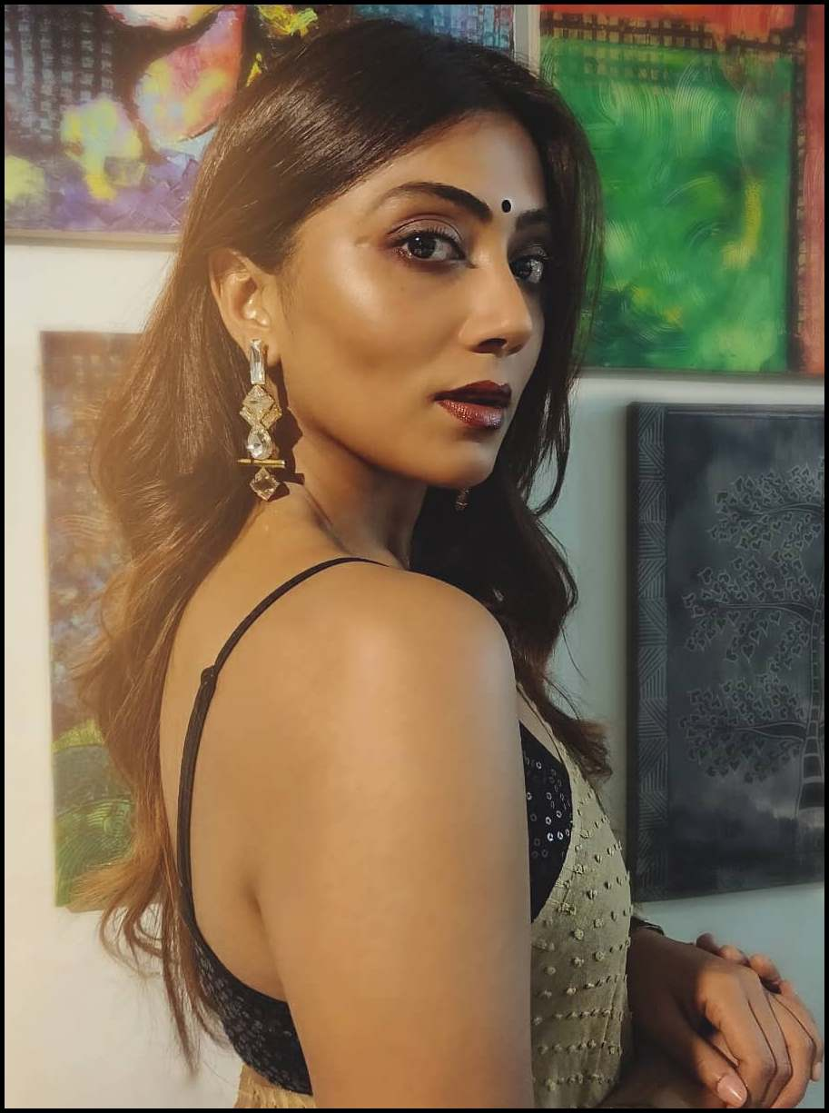 Murder In The Hills Hoichoi Web Series Cast Anindita Bose