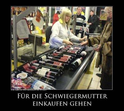 Wein einkaufen gehen für die Schwiegermutter - Kaufhalle lustig