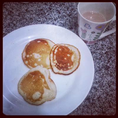 Para acompanhar as broas, beba chá ou café. Foto: Instagram/Aline Lima