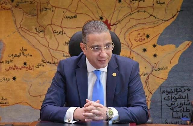 """محافظ الفيوم يصدر قراراً بمنع سير """"التوكتوك"""" و""""التريسكل"""" على الطرق السريعة والسياحية وشوارع المدينة الرئيسية"""