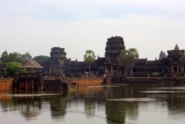 Etika Berpakaian Saat Berkunjung Ke Angkor Wat, Kamboja