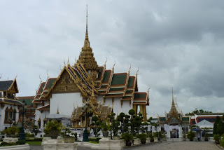 Gran Palacio Real de Bangkok. Pabellon Aphorn Phimok Prasat y Dusit Maha Prasat Hall.