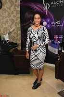 Actress Suja Varunee at Naturals Hair and Beauty Salon Launch ~  Exclusive 09.JPG