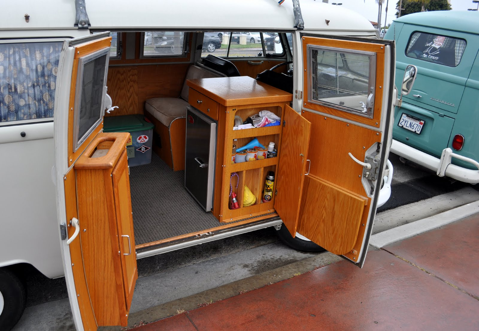 Just A Car Guy: VW type 2 / kombi / mini bus ... whatever the correct name is, here are some ...