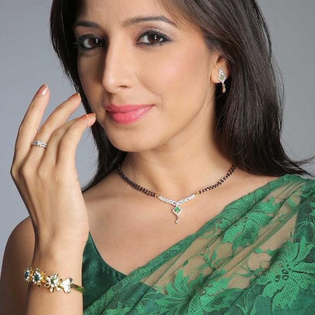 Bridal Latest jewelry Pics, beautiful jewelery pic, diamond jewelry pic