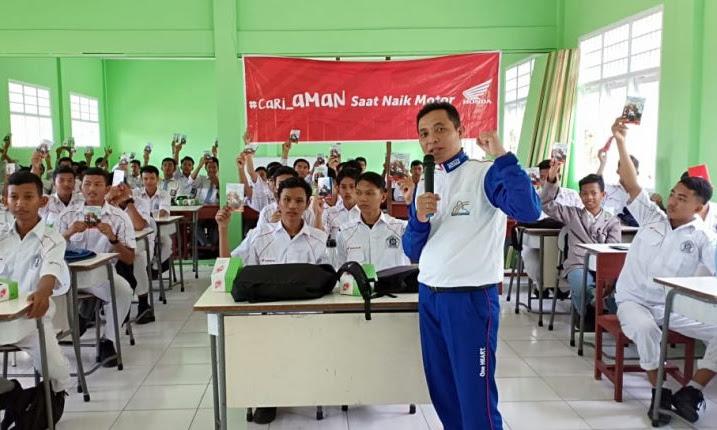 #Cari_Aman Kartini Indonesia di Sekolah, Bersama Astra Motor Pontianak
