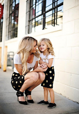 Little girl and her mother !