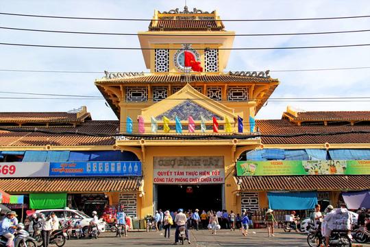 Chợ sỉ Sài Gòn tha hồ lựa chọn đồ rẻ phát ham