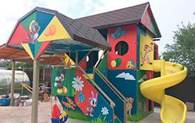 Роспись детского домика