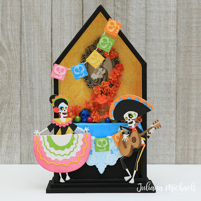 Day of the Dead Shrine by Juliana Michaels featuring Tim Holtz Sizzix Chapter 4 Colorize