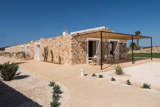 https://www.booking.com/hotel/es/agroturismo-ses-talaies.html