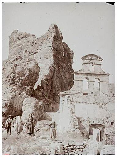 Título: Iglesia en ruinas del Convento de la Hoz.Convento de la Hoz. Segovia.  Autor: Torres Balbás, Leopoldo