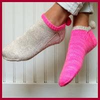 Zapatillas de punto con borlas