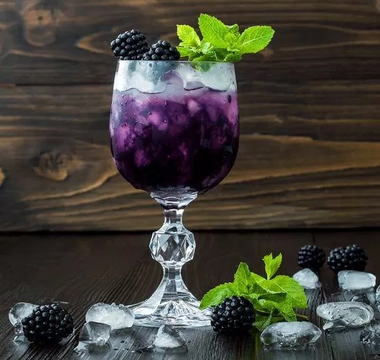 How to make a Blackberry Mojito #drinks #cocktails