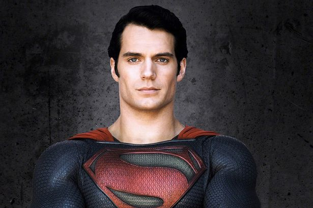 Henry Cavill estaría en negociaciones con Warner para volver a ser Superman