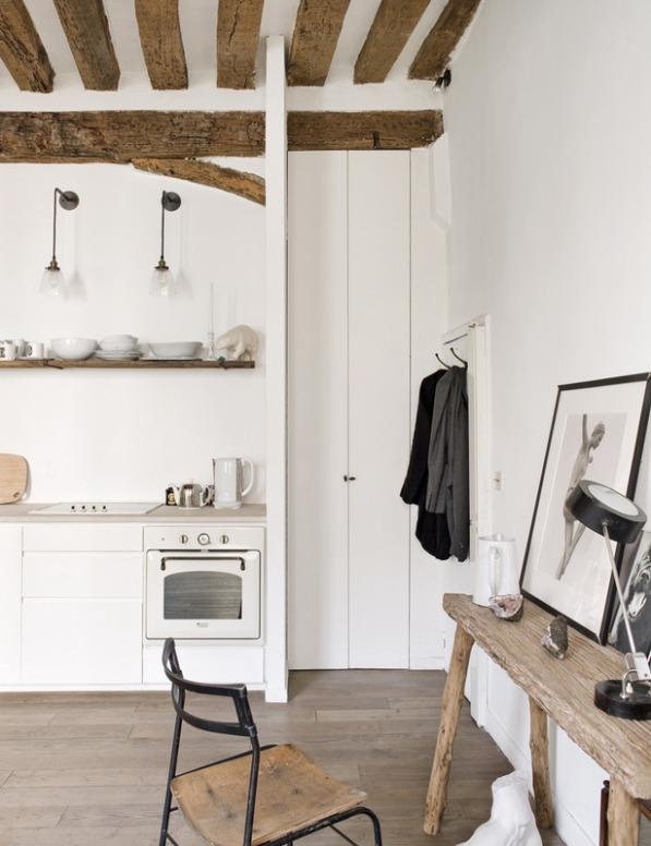 pequeña cocina blanca abierta al salon chicanddeco