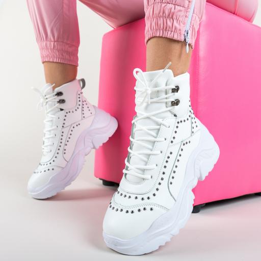 Adidasi inalti albi cu talpa groasa cu aspect masiv la moda