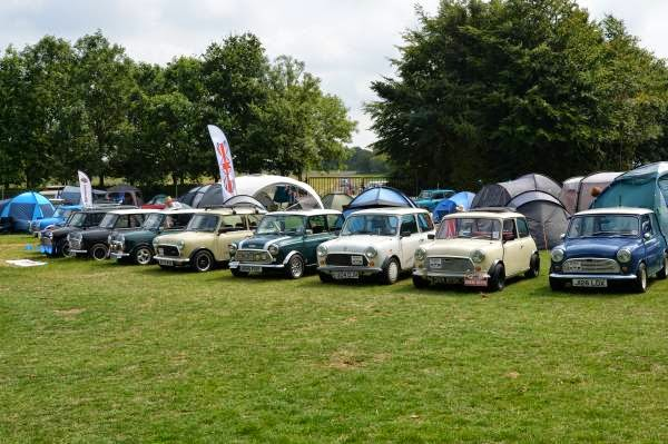 Το MINI έγινε 55 ετών: ένα μικρό αυτοκίνητο με μεγάλη ιστορία