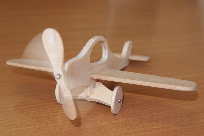 самолет из фанеры