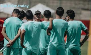 فايلر في جلسة مع اللاعبين واحمد الشيخ ينتظم في التدريبات