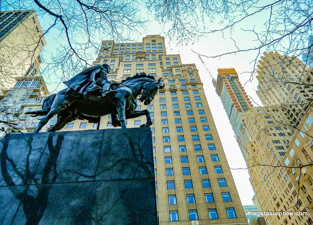 Monumento a Simon Bolívar no Central Park, Nova York