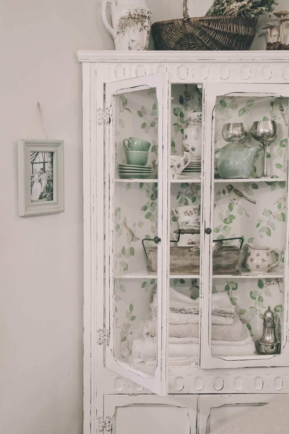 How to create a distressed wallpaper cabinet