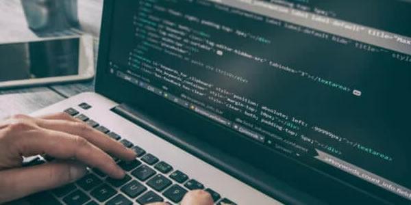 7 sites que oferecem cursos gratuitos para renovar sua carreira em TI