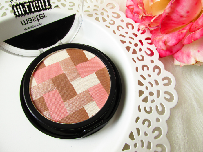 Review: Maybelline - master Hi-Lighting Bronzer - 50 Light Bronze