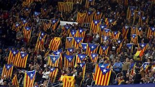 Prohibir Esteladas, tan mala idea como abuchear el himno nacional