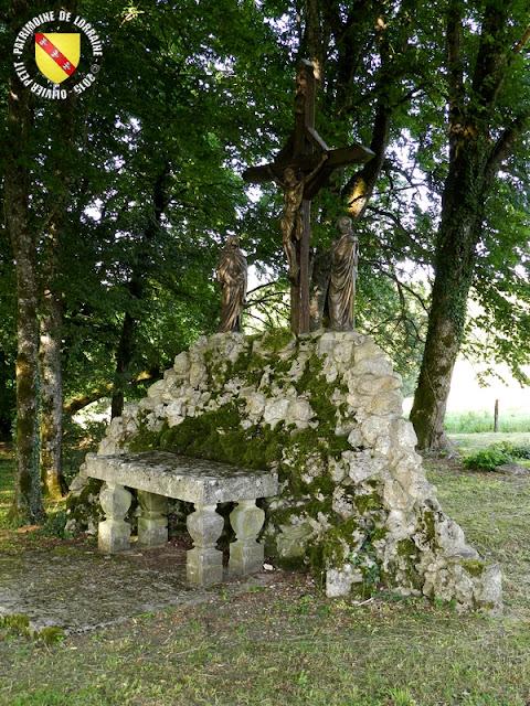 DAINVILLE-BERTHELEVILLE (55) - Calvaire de la chapelle de Chécourt